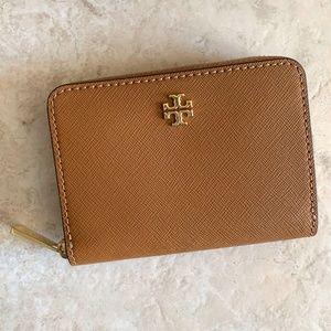 TORY BURCH Emerson Zip Coin Case Wallet ~ Brown